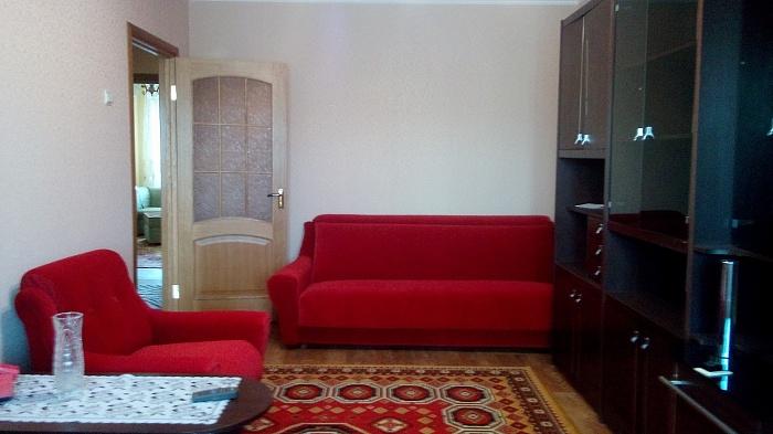 3-комнатная квартира посуточно в Керчи. ул. Дубинина, 20. Фото 1