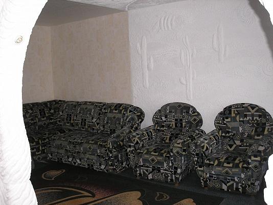 3-комнатная квартира посуточно в Сумах. Ковпаковский район, ул. Супруна, 2. Фото 1