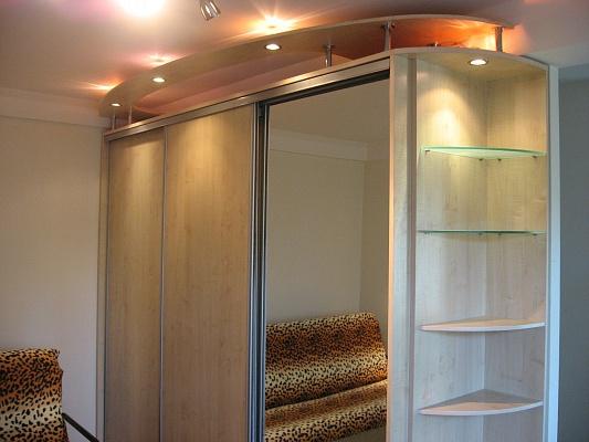 1-комнатная квартира посуточно в Запорожье. Орджоникидзевский район, ул. Патриотическая, 82а. Фото 1
