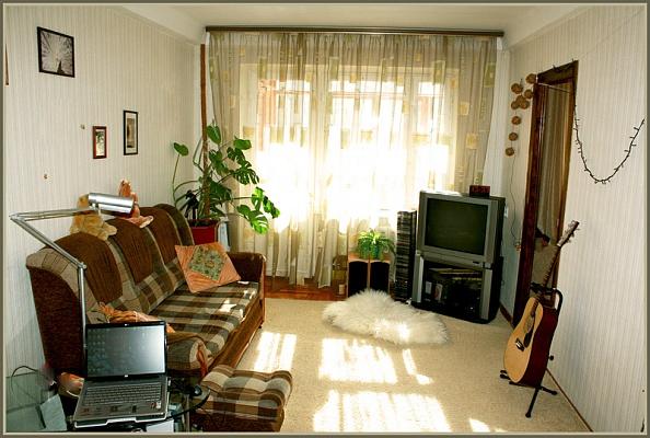 1-комнатная квартира посуточно в Запорожье. Коммунарский район, ул.Малиновского,. Фото 1