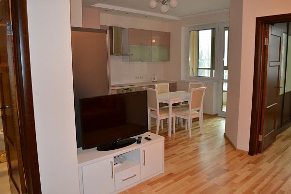 2-комнатная квартира посуточно в Киеве. Соломенский район, ул. Островского, 40. Фото 1