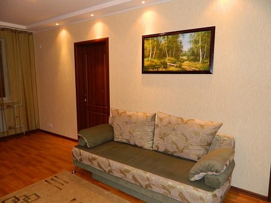 3-комнатная квартира посуточно в Харькове. Краснозаводской район, пр-т Гагарина, 46. Фото 1