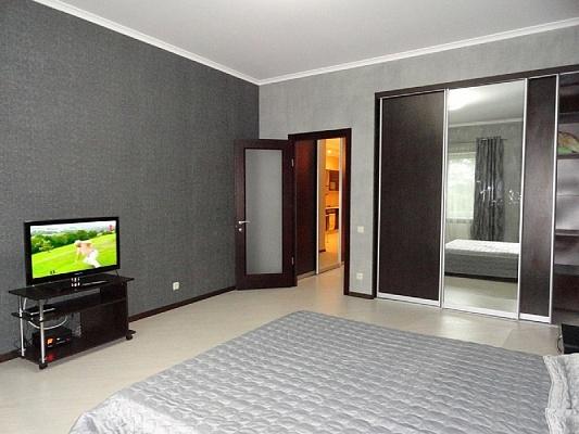2-комнатная квартира посуточно в Одессе. Приморский район, ул. Ясная, 12. Фото 1