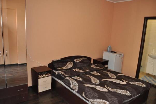 1-комнатная квартира посуточно в Одессе. Приморский район, ул. Малая Арнаутская, 74. Фото 1