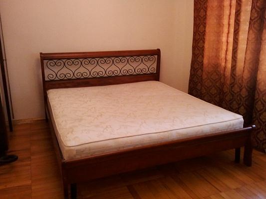 2-комнатная квартира посуточно в Запорожье. Орджоникидзевский район, б-р Центральный, 25. Фото 1