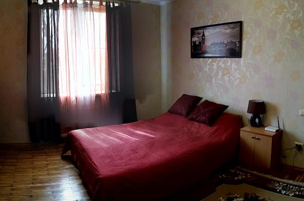 1-комнатная квартира посуточно в Херсоне. Комсомольский район, ул. Коммунаров, 5. Фото 1