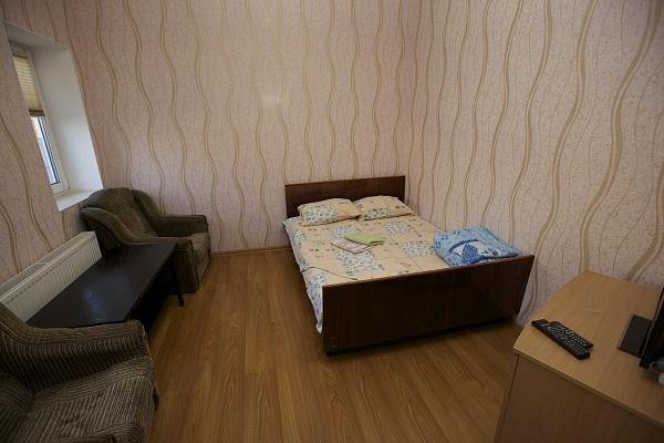 1-комнатная квартира посуточно в Черкассах. ул. Б. Вишневецкого, 1. Фото 1