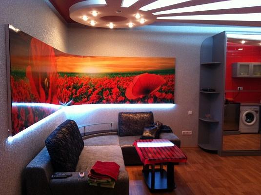 2-комнатная квартира посуточно в Черкассах. ул. Смелянская, 38. Фото 1