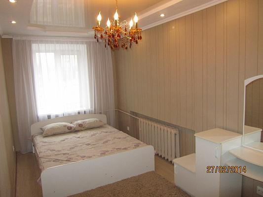 2-комнатная квартира посуточно в Черкассах. ул. Розы Люксембург, 13. Фото 1