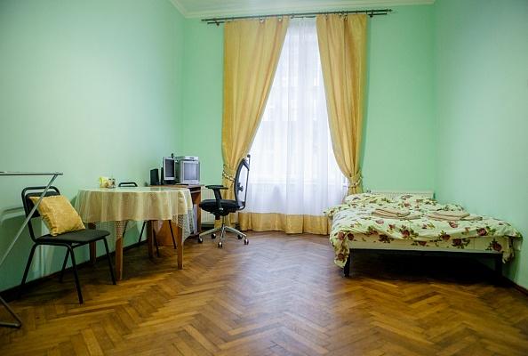 1-комнатная квартира посуточно в Львове. Лычаковский район, ул. Дмитрия Донцова, 12. Фото 1