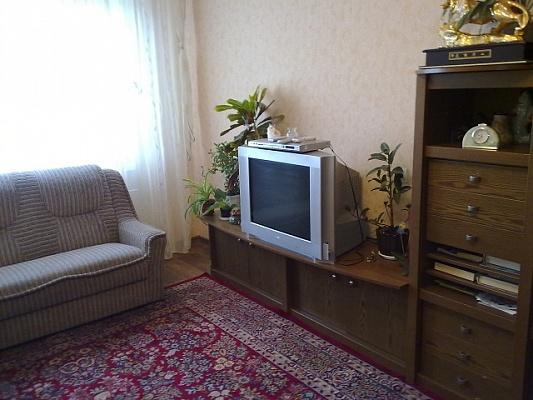 3-комнатная квартира посуточно в Щёлкино. ул. Щёлкино, 92. Фото 1