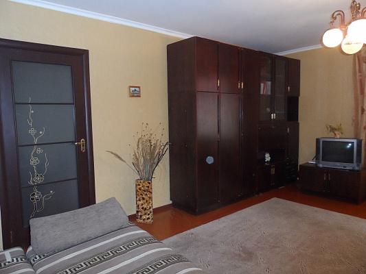 1-комнатная квартира посуточно в Феодосии. ул. Революционная, 14. Фото 1