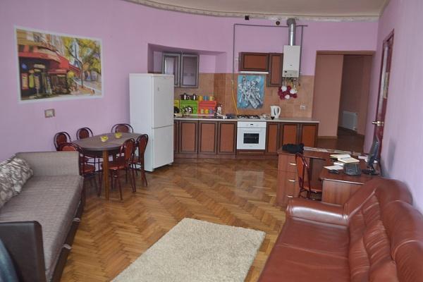 Мини-отель  посуточно в Черновцах. Первомайский район, ул. Сагайдачного, 2. Фото 1