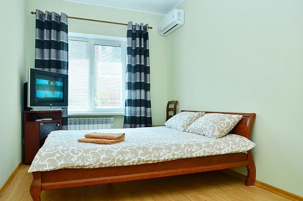 1-комнатная квартира посуточно в Киеве. Голосеевский район, ул. Академика Вильямса, 8д. Фото 1
