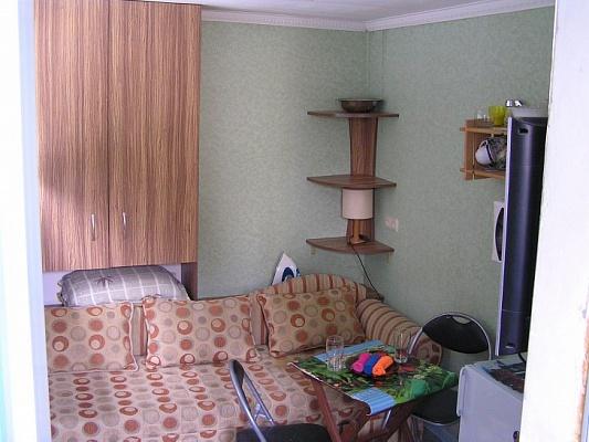 1-комнатная квартира посуточно в Ялте. ул. Руданского, 9. Фото 1