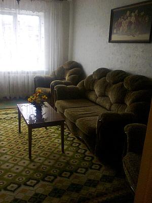 2-комнатная квартира посуточно в Краматорске. ул. Дворцовая, 65. Фото 1