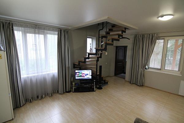 2-комнатная квартира посуточно в Львове. Зализнычный район, ул. Озерная, 16. Фото 1