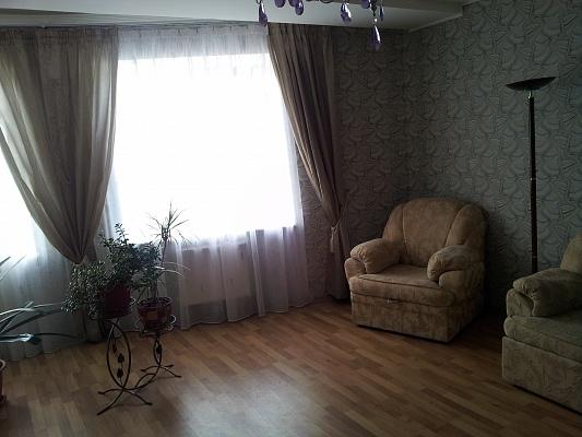 1-комнатная квартира посуточно в Чернигове. Деснянский район, ул. Молодчого. Фото 1