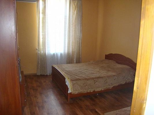 2-комнатная квартира посуточно в Евпатории. ул. Дувановская, 17. Фото 1