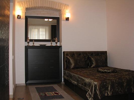 1-комнатная квартира посуточно в Львове. Галицкий район, ул. Староеврейская, 26. Фото 1