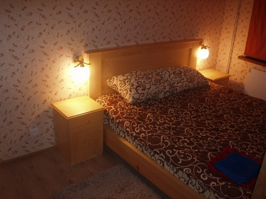 2-комнатная квартира посуточно в Житомире. ул. Киевская, 7. Фото 1
