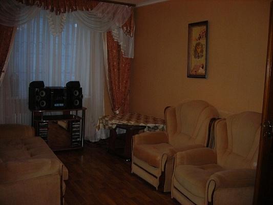 1-комнатная квартира посуточно в Алчевске. ул. Гмыри, 26. Фото 1