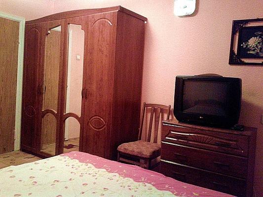 2-комнатная квартира посуточно в Южноукраинске. пр-т Независимости (Ленина), 2. Фото 1