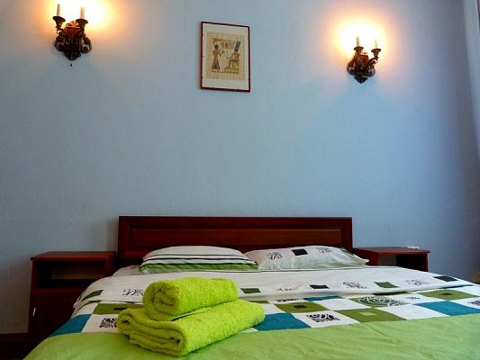 2-комнатная квартира посуточно в Киеве. Шевченковский район, ул. Прорезная, 9. Фото 1