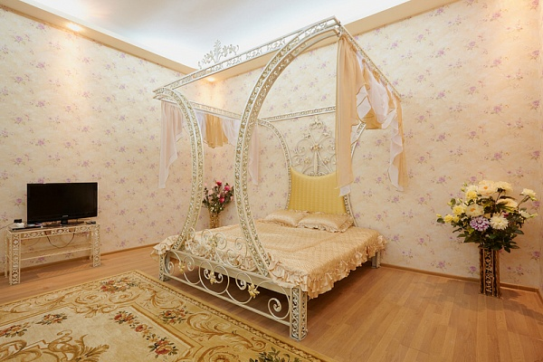 1-комнатная квартира посуточно в Львове. Галицкий район, ул. Сечевых Стрельцов, 10. Фото 1