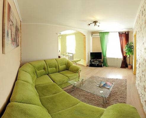 2-комнатная квартира посуточно в Николаеве. Центральный район, ул. Декабристов, 4. Фото 1