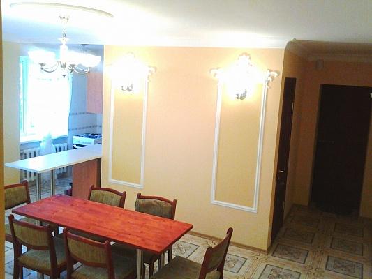 4-комнатная квартира посуточно в Одессе. Малиновский район, ул. Богдана Хмельницкого, 37. Фото 1
