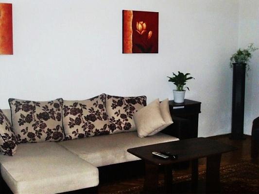 2-комнатная квартира посуточно в Киеве. Печерский район, Крещатик. Фото 1