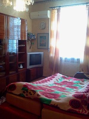 1-комнатная квартира посуточно в Бердянске. ул. Ульяновых, 16. Фото 1