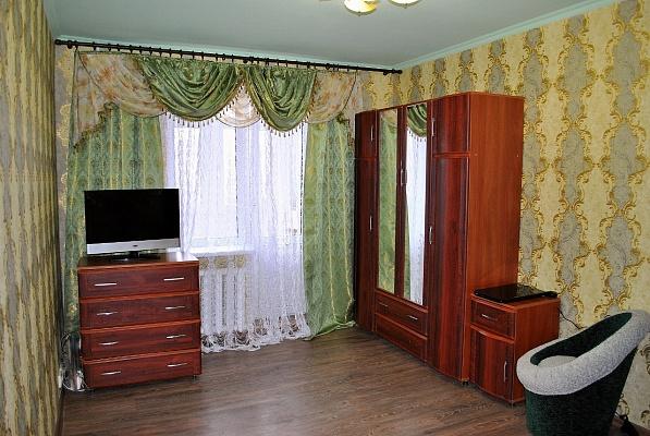 1-комнатная квартира посуточно в Донецке. Калининский район, ул. Капитана Ратникова, 18. Фото 1