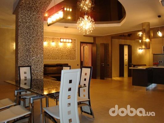 1-комнатная квартира посуточно в Кривом Роге. Саксаганский район, Джамбула, 11. Фото 1