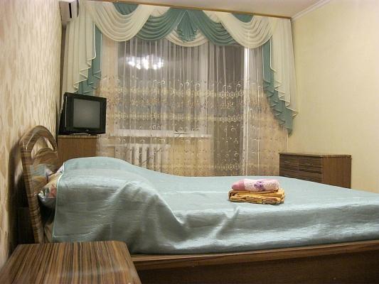 1-комнатная квартира посуточно в Николаеве. Центральный район, пр-т Центральный (Ленина), 124-А. Фото 1
