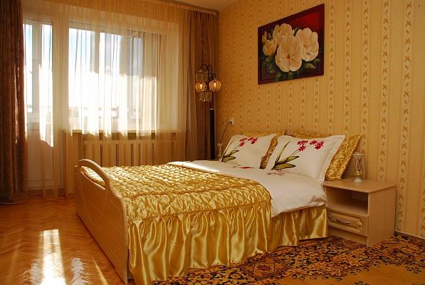 3-комнатная квартира посуточно в Киеве. Шевченковский район, ул. Артёма, 59а. Фото 1