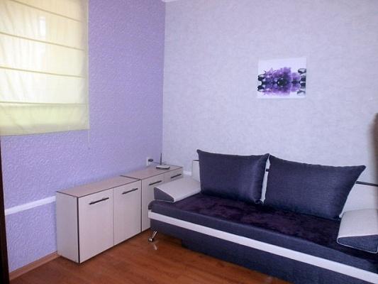 1-комнатная квартира посуточно в Днепропетровске. Бабушкинский район, ул. Короленко, 51. Фото 1