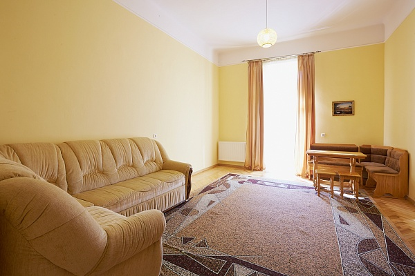 2-комнатная квартира посуточно в Львове. Галицкий район, ул. Коперника, 21. Фото 1