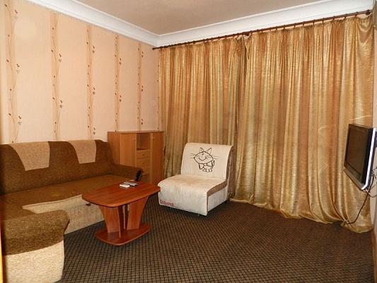 2-комнатная квартира посуточно в Запорожье. Орджоникидзевский район, ул. Патриотическая, 4. Фото 1