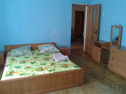 2-комнатная квартира посуточно в Ивано-Франковске. ул. Кривая, 2. Фото 1