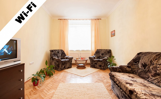 1-комнатная квартира посуточно в Львове. Галицкий район, ул. Театральна, 18. Фото 1