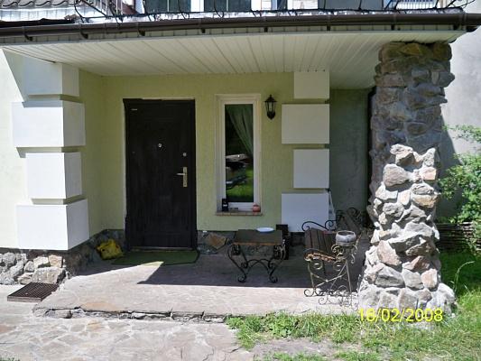 Дом  посуточно в Чернигове. Деснянский район, р-н. Вала. Фото 1