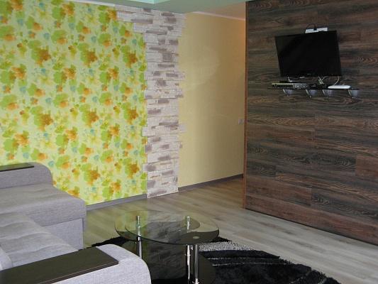 2-комнатная квартира посуточно в Запорожье. Орджоникидзевский район, б-р Центральный, 4. Фото 1