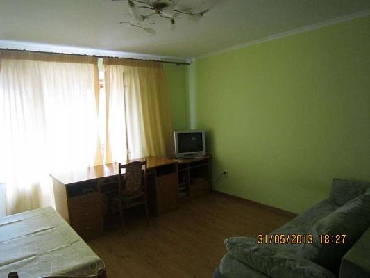 1-комнатная квартира посуточно в Ильичёвске. Пригород район, ул. Парковая, 34б. Фото 1