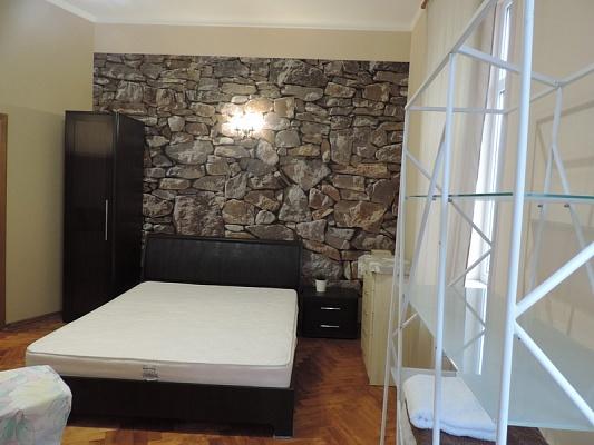 2-комнатная квартира посуточно в Львове. Галицкий район, ул. Митр. Андрея, 36. Фото 1