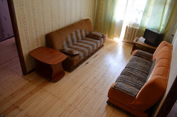 2-комнатная квартира посуточно в Запорожье. Жовтневый район, пр-т Ленина, 99. Фото 1
