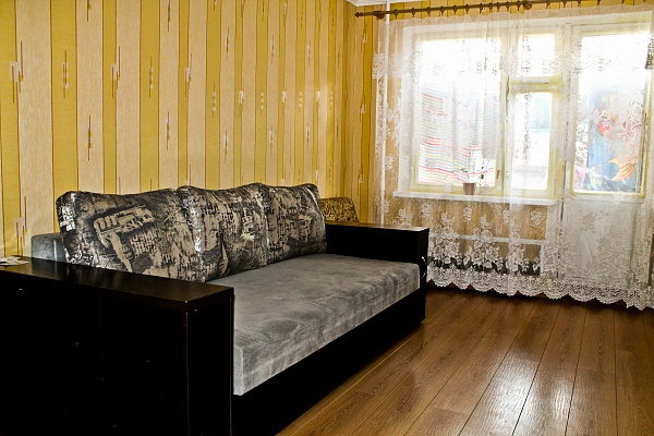 1-комнатная квартира посуточно в Черкассах. ул. Гагарина, 45. Фото 1