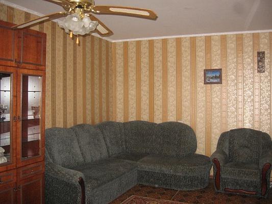 2-комнатная квартира посуточно в Черкассах. ул. Гоголя, 290. Фото 1