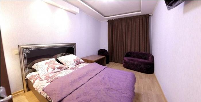 2-комнатная квартира посуточно в Киеве. Печерский район, ул. Каземира Малевича, 35. Фото 1